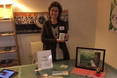 Lyn@GrBizFair 400x267 Interview: Solar Mowing Founder and Author Lynda DeWitt