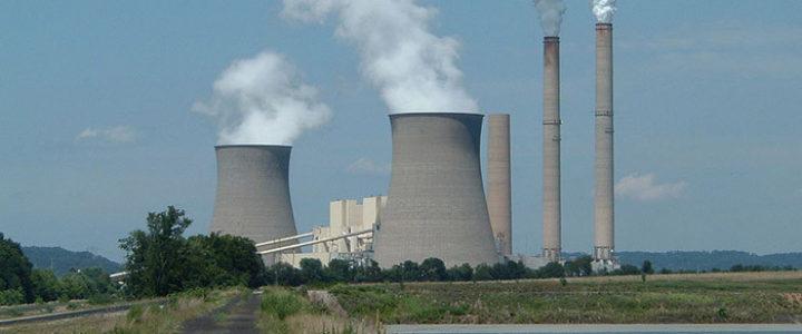 smokestacks emitting carbon dioxide